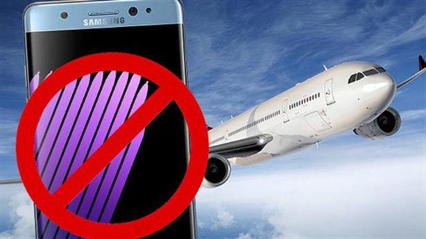 Samsung toát mồ hôi vì Galaxy lại phát hỏa trên máy bay