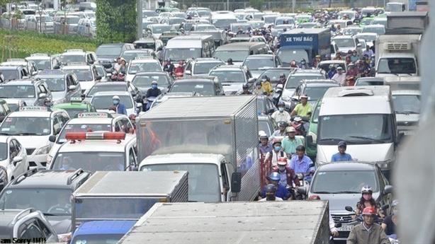 Tàu 5000tỷ giảm tắc Tân Sơn Nhất: Đừng chi tiền lãng phí...