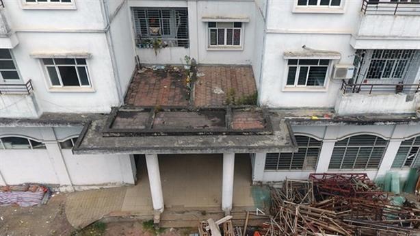 Nhà tái định cư bỏ hoang: Lợi ích nhóm ở khắp nơi...