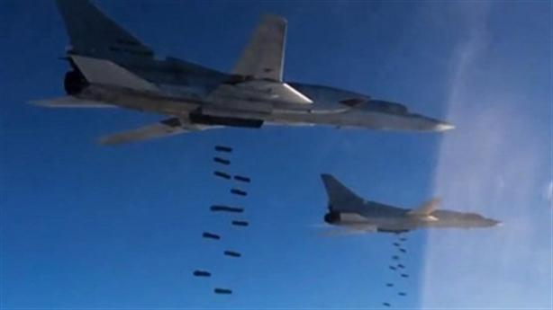 Phi đội máy bay Nga vượt ngàn km tấn công khủng bố