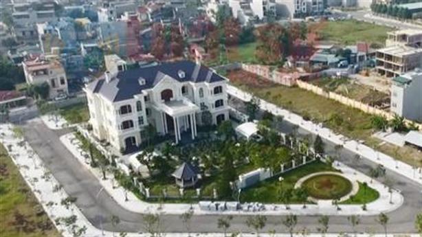 'Phủ chúa' xứ Thanh: Có tiền xây nhà cũng bị soi mói