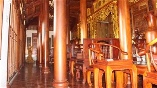 Biệt phủ gỗ quý của sếp kiểm lâm: 'Sai phạm không lớn'