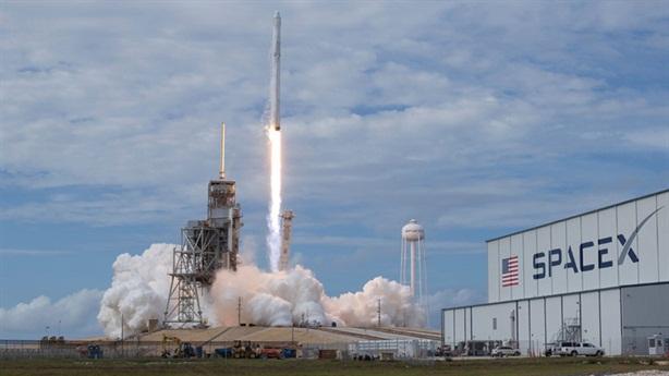 Tên lửa SpaceX của Mỹ phát nổ
