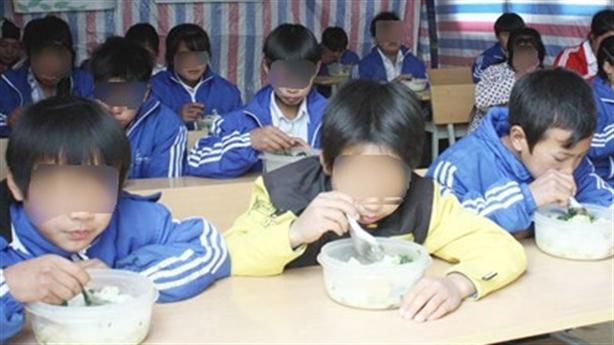 Lý do hiệu trưởng bán 6 tấn gạo của trò nghèo