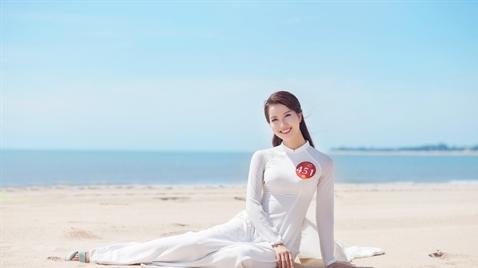 Người đẹp Miss Photo 2017 bay bổng cùng áo dài trước biển
