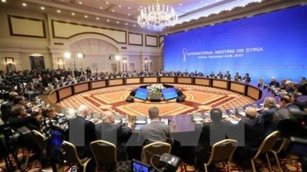 Các nhóm đối lập Syria thống nhất với nhau: Nước cờ vớt