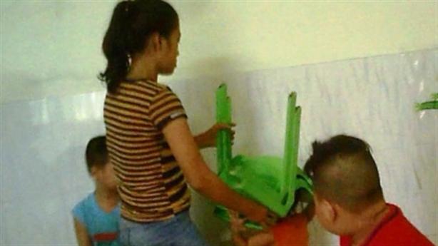 Bạo hành trẻ ở trường Mầm Xanh: Dằn mặt vì hiếu động