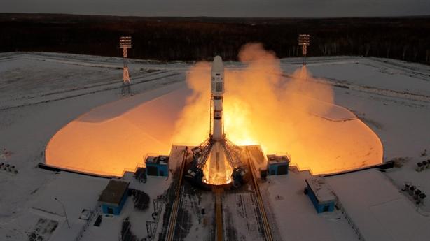 Nga mất liên lạc với vệ tinh vừa phóng