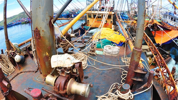 Ngư dân lâm cảnh khốn cùng, chủ tàu vỏ thép 'cù nhầy'