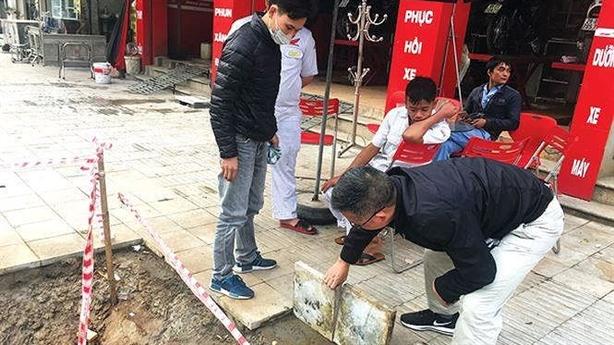 Thanh tra việc lát đá vỉa hè HN: Tất cả là mật