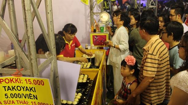 Nguyên nhân người Việt chi gần 13.000 tỷ đồng ăn quà vặt/tháng