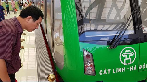 Đường sắt Cát Linh-Hà Đông lại lùi 11 tháng: Dân gánh hết