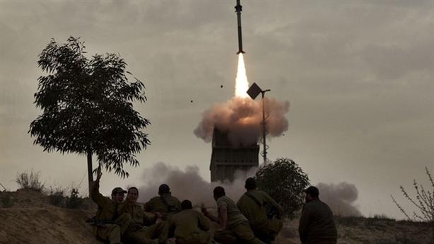 Iron Dome phóng 6 đạn chặn 2 tên lửa từ Gaza