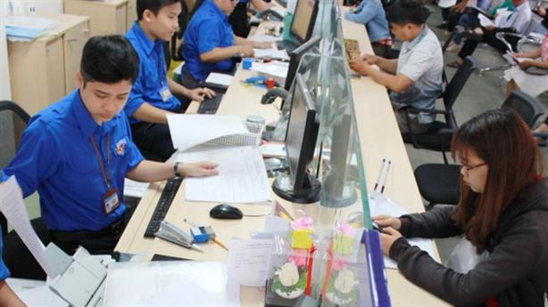 TP.HCM bỏ quy định cấm công chức mặc quần jean đi làm