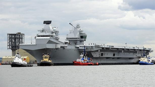 Hàng không mẫu hạm của Anh rỉ nước