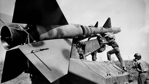 Chiến công Việt Nam:Vừa gạt Shrike vừa bắn rơi máy bay địch