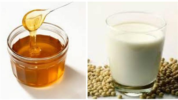 Mật ong uống với sữa đậu nành có thật gây chết người?