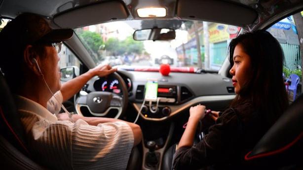 Uber kiện ra tòa: Cục thuế TPHCM phải 'thận trọng'