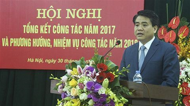 Chủ tịch Chung xử nóng chuyện cuối năm đào đường