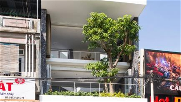 Nhà phố ở Nha Trang gây sốt với những miệt vườn nhỏ