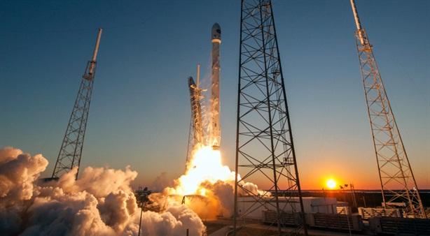 Nga học Mỹ khi phát triển tên lửa tái sử dụng?