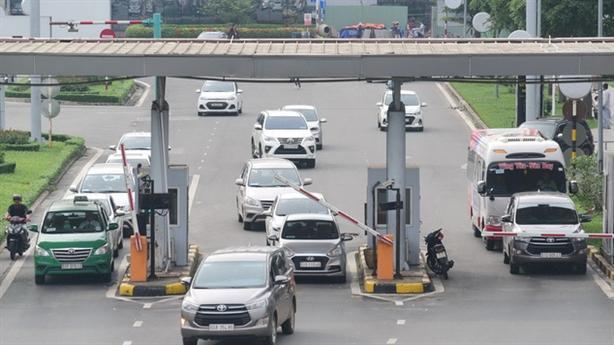 Thu phí ô tô vào sân bay: Bộ GTVT nói cần thiết