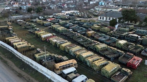 Nga giục lại Ukraine lấy vũ khí Crimea về