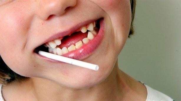 Cha mẹ cần cẩn trọng với 'hội chứng răng coca'