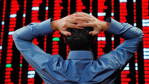 Chứng khoán Việt gắng gượng khi Dow Jones sụt mạnh