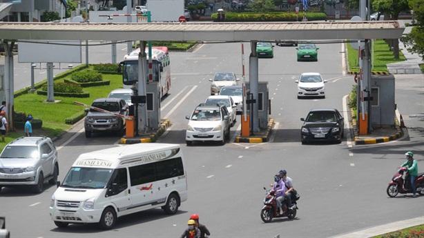 Thu phí sân đường vào sân bay: Bộ GTVT quá mơ hồ