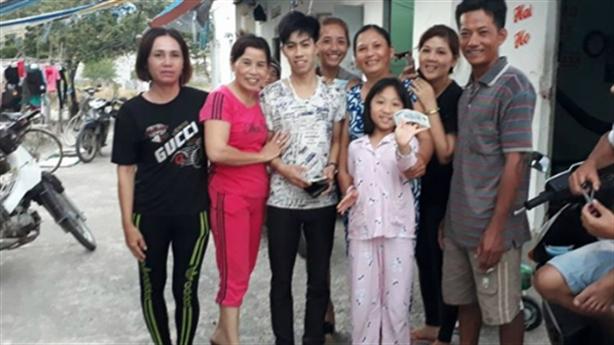 Vợ chồng nghèo trả lại ví đầy tiền ngày sát Tết