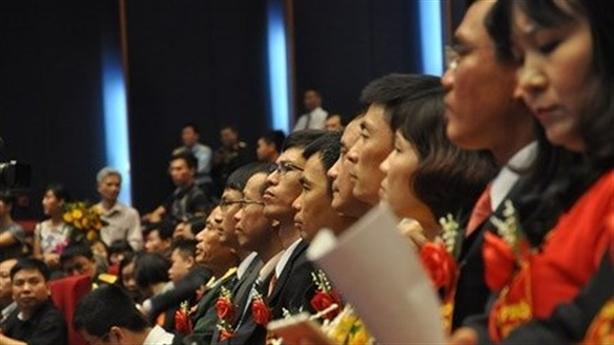 Thủ tướng yêu cầu rà soát việc bổ nhiệm GS, PGS
