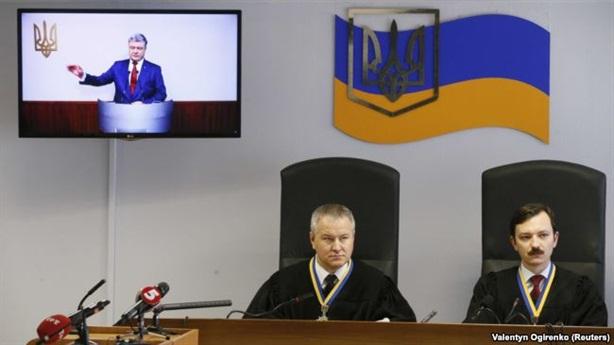 Phiên xử ông Yanukovych: Tổng thống Poroshenko kể tội Nga