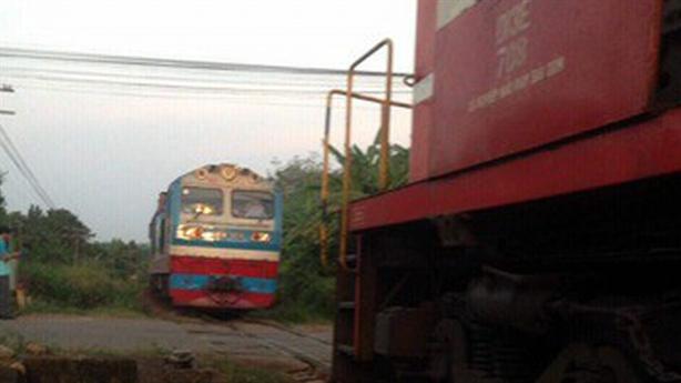 Hai tàu hỏa suýt tông nhau tại ga Dầu Giây: Nguyên nhân?