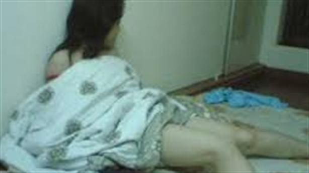 Trèo rào đâm chết thanh niên chung chăn với bạn gái