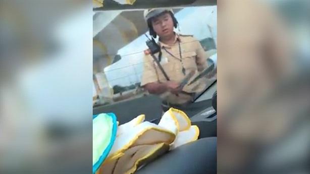 Thượng úy CSGT nghi nhận tiền mãi lộ: 'Làm nhanh như điện'