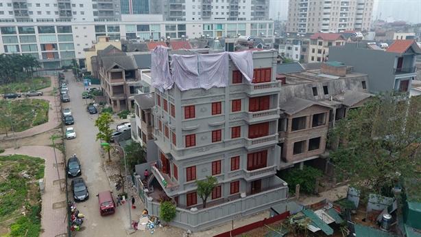 Chính quyền yêu cầu dừng tháo dỡ nhà nguyên Cục trưởng C50