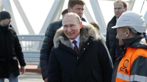 Crimea hoà nhập bầu tổng thống Nga, phương Tây càng uất nghẹn