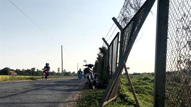 Hàng rào an toàn cao tốc TP.HCM-Trung Lương bị phá hoại