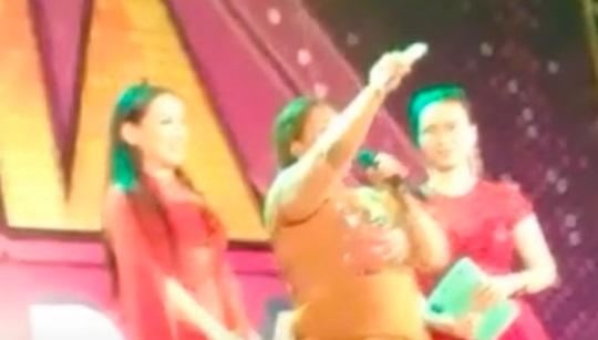 Lời khán giả mất 1 lượng vàng trong đêm nhạc Phi Nhung