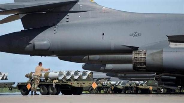 Nga chọn bơ sữa hay trọng pháo: Người Nga tranh luận