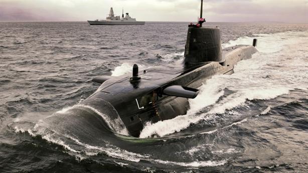 Tàu ngầm hạt nhân Anh gọi viện binh khi Kilo truy đuổi