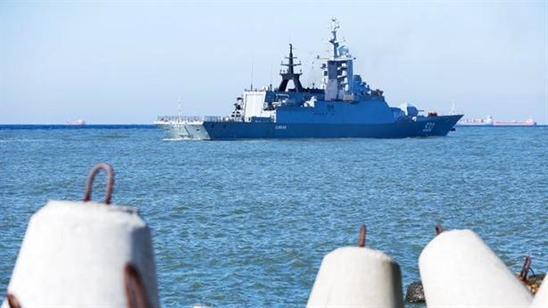 Chuyên gia quân sự Nga: Nga lấy gì để dọa Anh?