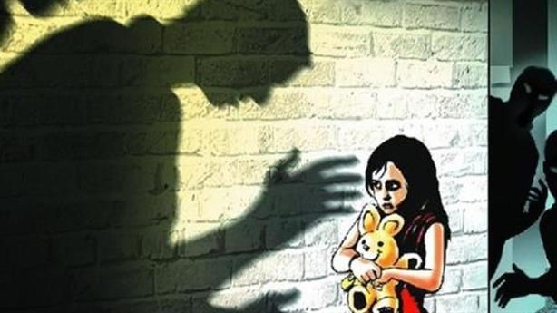70% trẻ bị xâm hại bởi người thân: Bố mẹ ở đâu?
