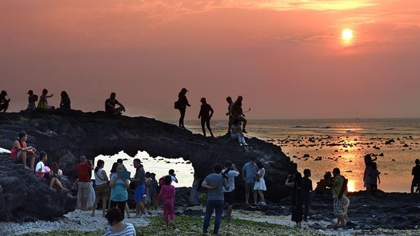 Lý Sơn thành đảo du lịch, nghỉ dưỡng: Lo đánh mất mình