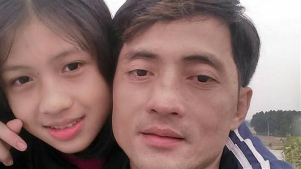 Nữ sinh xinh đẹp mất tích: Người lạ đón bằng ôtô