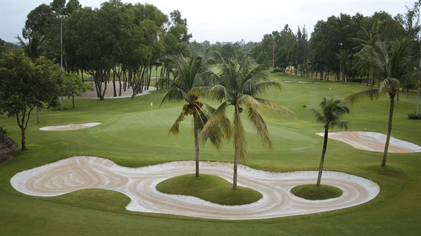 Xin loạt sân golf vào quy hoạch: Nói thẳng là vì đất?