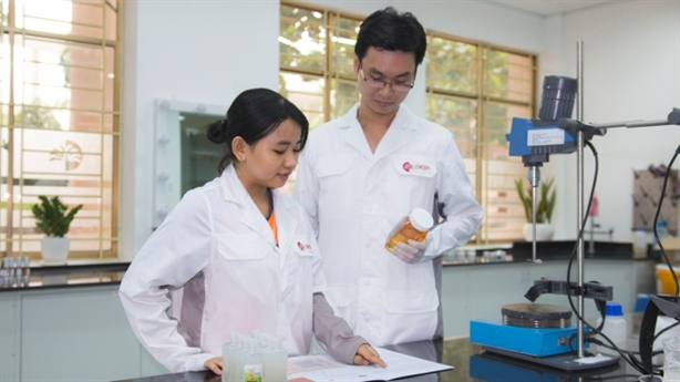 DKSH mở rộng hợp tác với Stepan tại Việt Nam