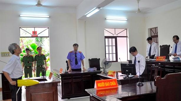 Nguyễn Khắc Thủy dâm ô trẻ nhận án treo: Diễn biến nóng