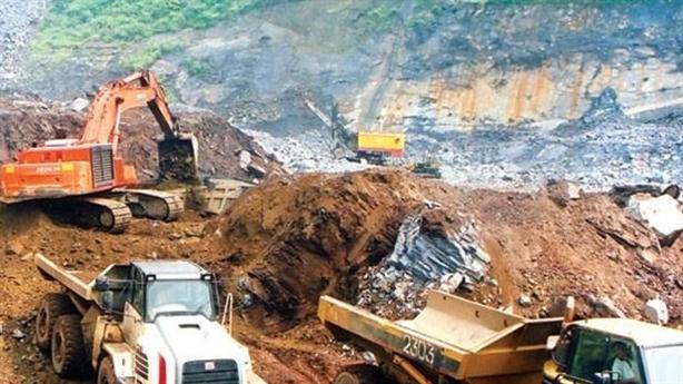 Việt Nam bán quặng và khoáng sản giá rẻ cho Trung Quốc